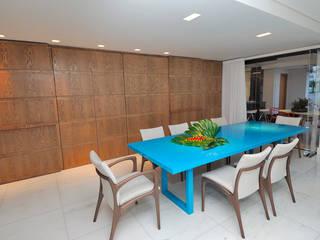 APTO EDUROSE: Salas de jantar  por Gislene Soeiro Arquitetura e Interiores