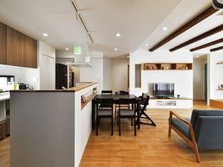 動線にこだわった二世帯住宅: 株式会社スタイル工房が手掛けたです。