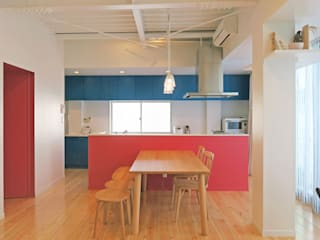 キッチン: 田所裕樹建築設計事務所が手掛けたキッチンです。