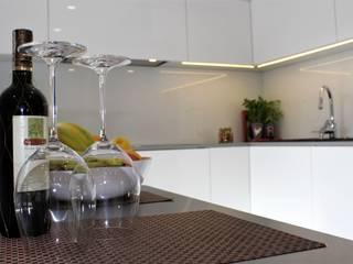 realizacja nowoczesnej kuchni: styl , w kategorii Kuchnia zaprojektowany przez archJudyta Aranżacja Wnętrz