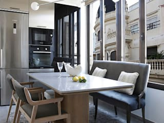 Contemporary apartment in Spain: modern  by S. T. Unicom Pvt. Ltd. ,Modern