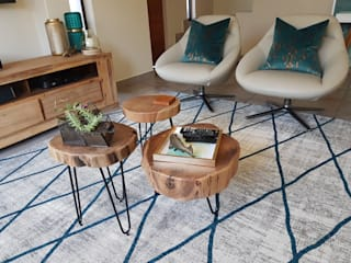 Teal & Gold Organic Glam:  Living room by Sophistique Interiors