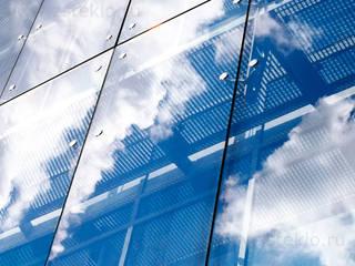 Puertas y ventanas de estilo moderno de Zстекло Moderno