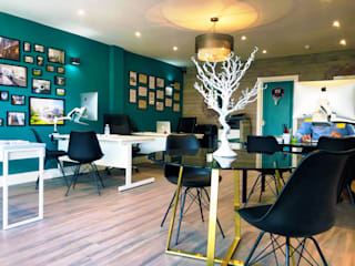 High Street Office:  Offices & stores by The Market Design & Build