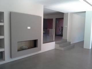 Richimi Factory Minimalist walls & floors