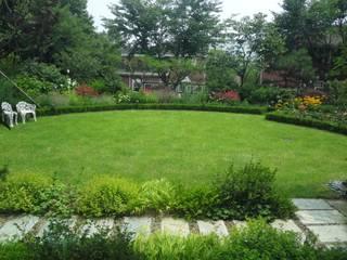 일산 마두동 전원주택: 아이디얼가든 (IDEALGARDEN)의  앞마당