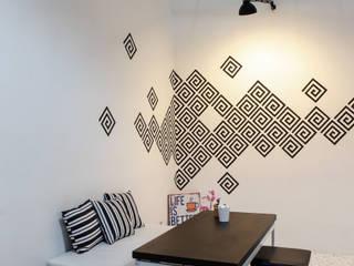 CULTIVATE COFFEE SHOP: Restoran oleh EINHAUS, Minimalis