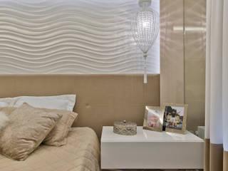 Ana Crivellaro モダンスタイルの寝室 MDF ベージュ