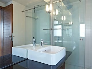 Modern Bathroom by DCOOP ARCHITECTS Modern