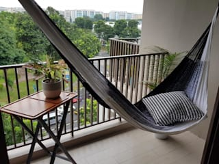 Hammock on a balcony in Archipelago condo: modern  by ZEN hammocks,Modern