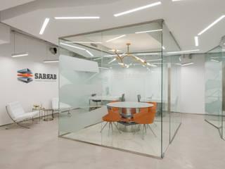 SABRAB OFFICE: Escritórios  por SABRAB