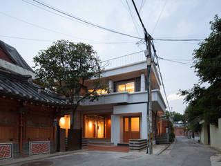 Modern Houses by 서가 건축사사무소 Modern
