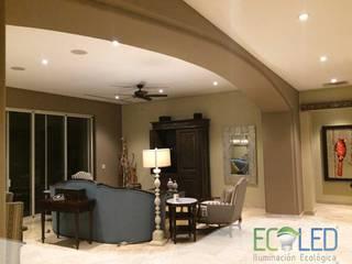 Hôtels modernes par Ecoled Iluminacion Ecologica Moderne
