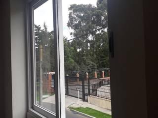 Ventana Corrediza: Ventanas de PVC de estilo  por HOME DECO & HOME GLASS