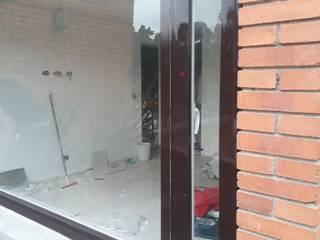 Venatan proyectante: Ventanas de PVC de estilo  por HOME DECO & HOME GLASS