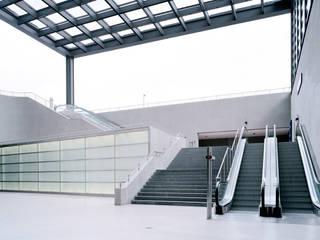 Architekturfotografie in Berlin für eine Imagebroschüre von Siemens. Architekturfotograf Peter Bajer Industriale Bürogebäude