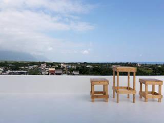 老屋翻新大改造 夏禾創作有限公司 Flat roof Reinforced concrete White