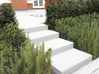 Garden Design:   by Concept Landscape Architects