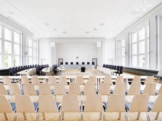 Kunde: ROHDE & GRAHL • Fotografie Referenzbericht BÜROSTÜHLE Architekturfotograf Peter Bajer Klassische Arbeitszimmer