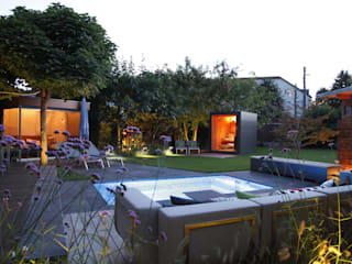Sauna im Garten von Gartenhauptdarsteller Modern