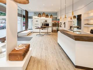 MODEGESCHÄFT MIT STIL Moderne Geschäftsräume & Stores von architopia_ Christine Detering Modern