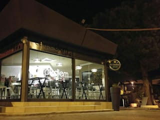 CARPE Diem Art CAFE' :  in stile industriale di FRANCKSONN HOME srls, Industrial
