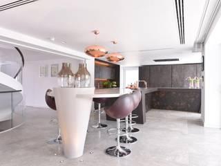 Mr & Mrs Storton Modern kitchen by Diane Berry Kitchens Modern