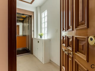 Corridor, hallway by CCVO Design and Staging,