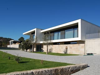 Casa do Bairro por Engebasto - Atividades de Engenharia e Arquitetura, Lda