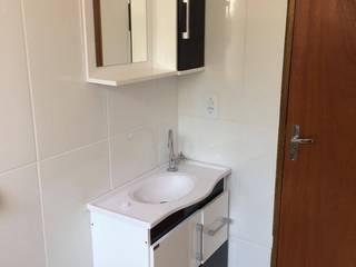 Bathroom by Guedes e Menezes Arquitetura + Engenharia,