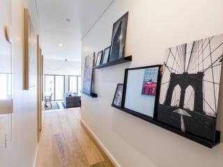 Sizz Design Scandinavian corridor, hallway & stairs