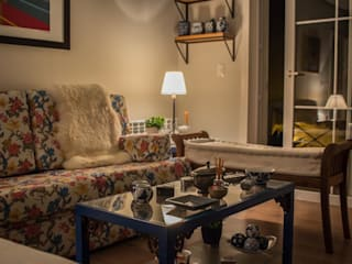 Country style living room by Luiza Goulart Arquiteta Country