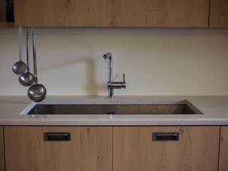 Quintarelli Pietre e Marmi Srl Built-in kitchens Stone White