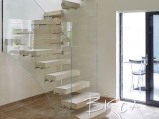 Sandstone Staircase for Pool House and Gym Area Bisca Staircases Scale Pietra