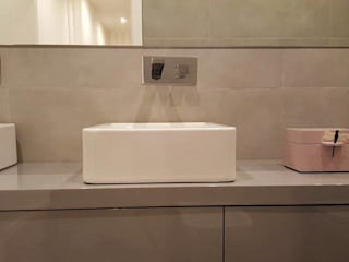 Bathroom by ROSA PURA HOME STORE, Modern