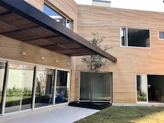 Modern balcony, veranda & terrace by Revah Arqs Modern