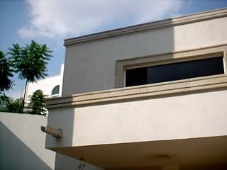 Residencia en San Jerónimo: Casas unifamiliares de estilo  por Páez + Páez Arquitectos