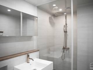 Bathroom by 홍예디자인, Minimalist