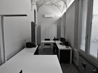 Classic office buildings by Studio di Architettura IATTONI Classic