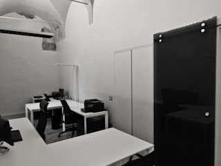 Office buildings by Studio di Architettura IATTONI,