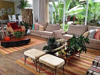 Residencia Coelho, Salas, Quarto, Closet. STUDIO AGUIAR E DINIS Ruang Keluarga Modern