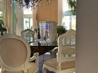 STUDIO AGUIAR E DINIS Modern dining room