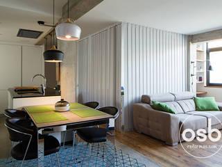 Studio in stile in stile Moderno di osb reformas
