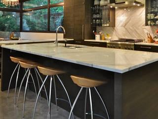 Voorbeelden natuursteen aanrechtbladen: modern  door Uw Keukenblad, Modern