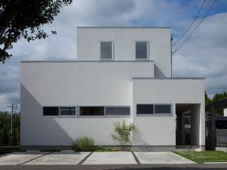 キッチンが中心の家: 株式会社 井川建築設計事務所が手掛けた家です。