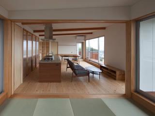 海と暮らす家: 株式会社 井川建築設計事務所が手掛けた和室です。
