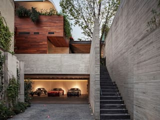 Acceso Estacionamiento: Casas de estilo  por Eduardo Gutiérrez Taller de Arquitectura