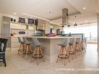 Lazer: Salas de jantar  por Marlon Vilela ,Moderno