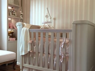 Cuarto del bebé de estilo  por Célia Orlandi por Ato em Arte,