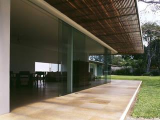 Casa Jade: Casas de estilo  por Eduardo Gutiérrez Taller de Arquitectura
